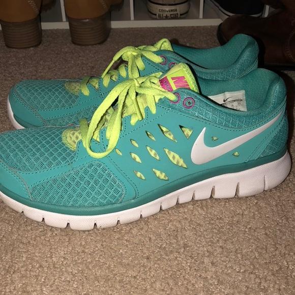 512657fd5e1 Nike Flex 2013 Run Women s Running Shoes. M 5a6641d800450fd27af68c4c